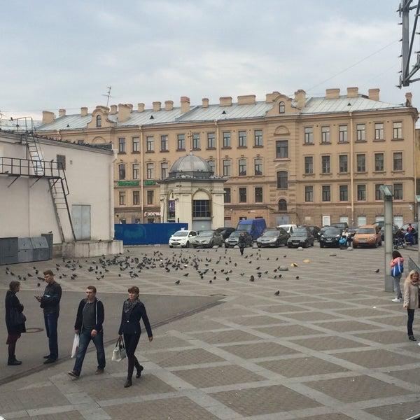 Снимок сделан в Сенная площадь пользователем Ирина К. 9/22/2014