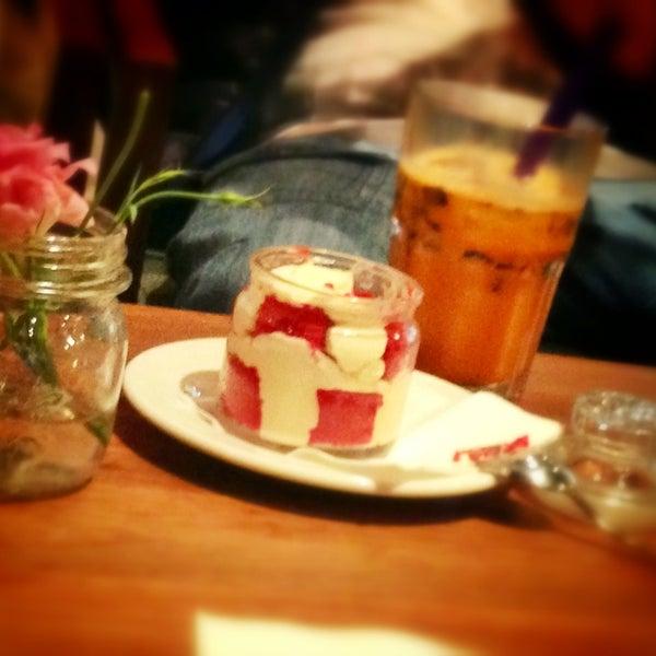 Das Foto wurde bei The People's Cafe von Franky A. am 2/2/2013 aufgenommen