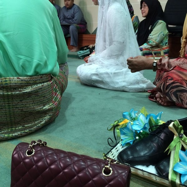 1/12/2014 tarihinde Rosni R.ziyaretçi tarafından Masjid Al-Ameerah Al-Hajjah Maryam, Kg Jerudong'de çekilen fotoğraf