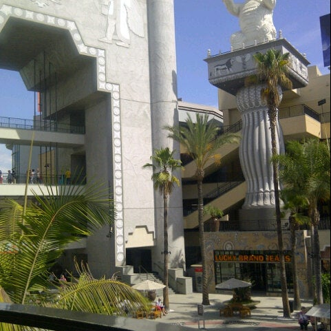 รูปภาพถ่ายที่ Hollywood & Highland Center โดย Stuart H. เมื่อ 9/29/2012