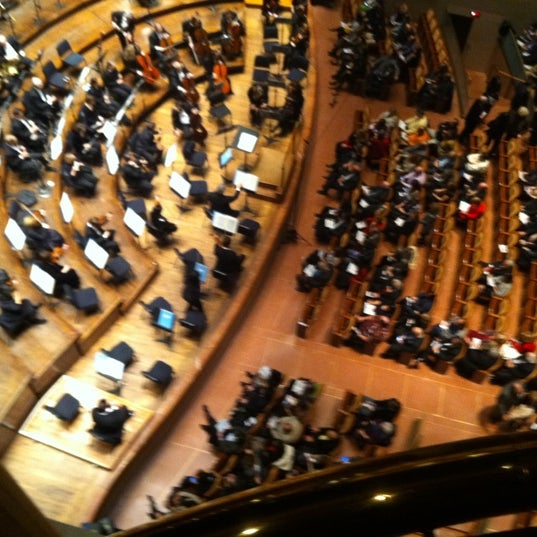 Foto tirada no(a) Morton H. Meyerson Symphony Center por Laurel E. em 1/1/2013