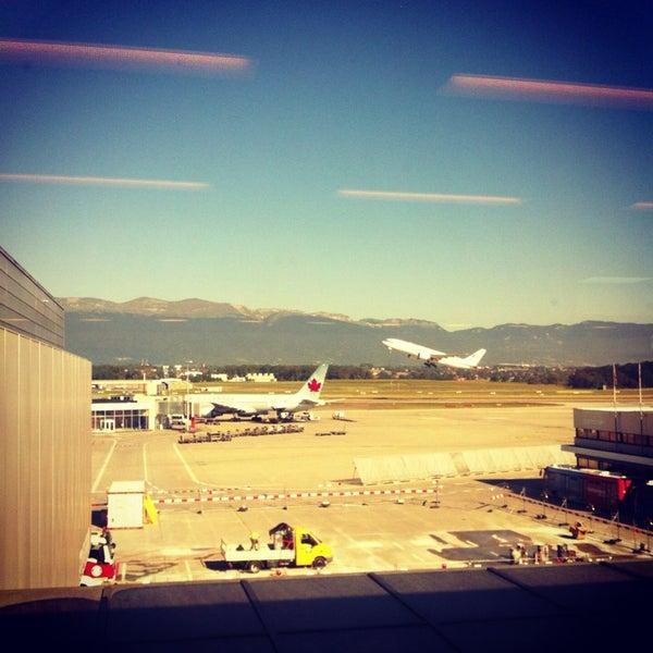 9/4/2013にWissam M.がジュネーヴ国際空港 (GVA)で撮った写真