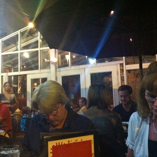Photo prise au Las Palmas par Ryan B. le9/16/2012