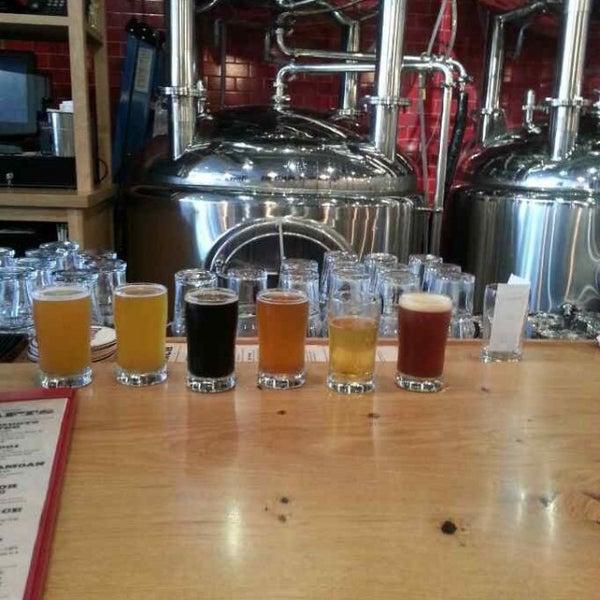 6/22/2013에 Ben S.님이 DryHop Brewers에서 찍은 사진