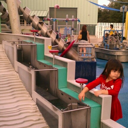 Photo taken at Children's Museum of Houston by Hubert L. on 11/10/2012