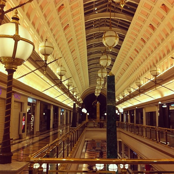 Foto tomada en Centro Comercial Gran Vía 2 por David C. el 5/1/2013