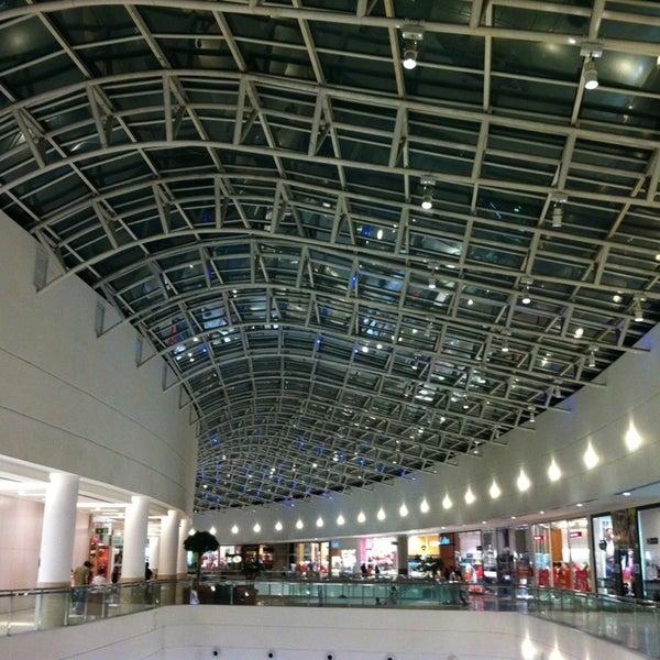 Foto tirada no(a) Shopping Palladium por Adriano C. em 2/2/2013