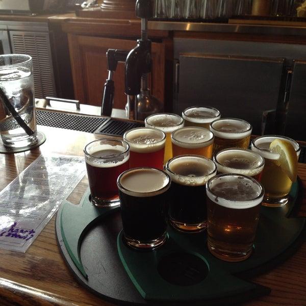 รูปภาพถ่ายที่ Hop Valley Brewing Co. โดย Greg L. เมื่อ 4/14/2013