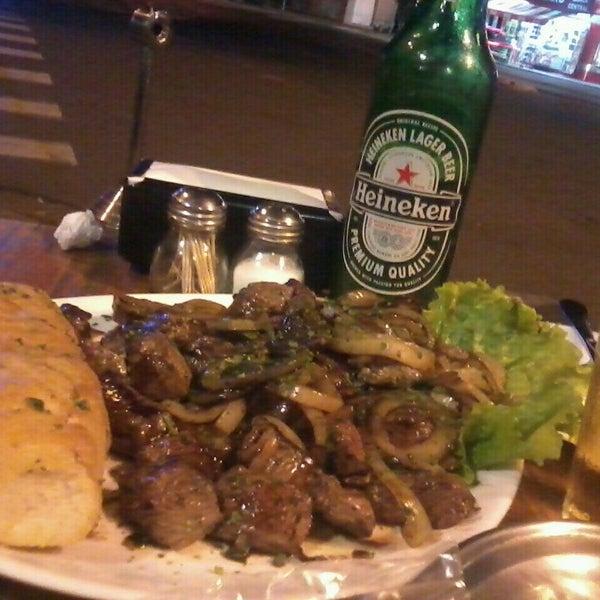 Foto tomada en Eskina Bar e Restaurante por Grazy S. el 8/24/2013