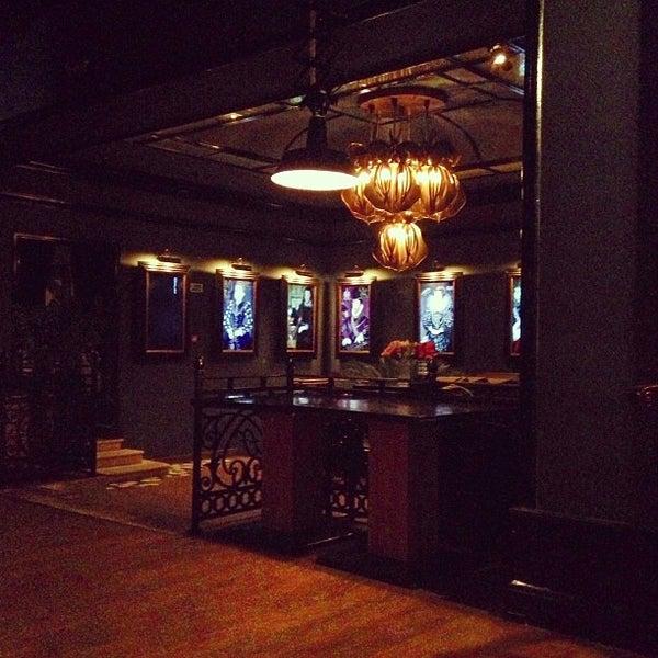 Foto tomada en FF Restaurant & Bar por Polina P. el 6/17/2013