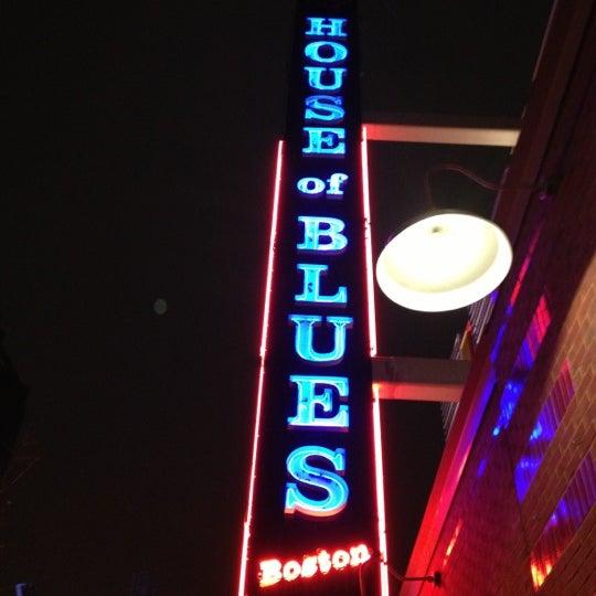 Foto diambil di House of Blues oleh Timm M. pada 12/1/2012