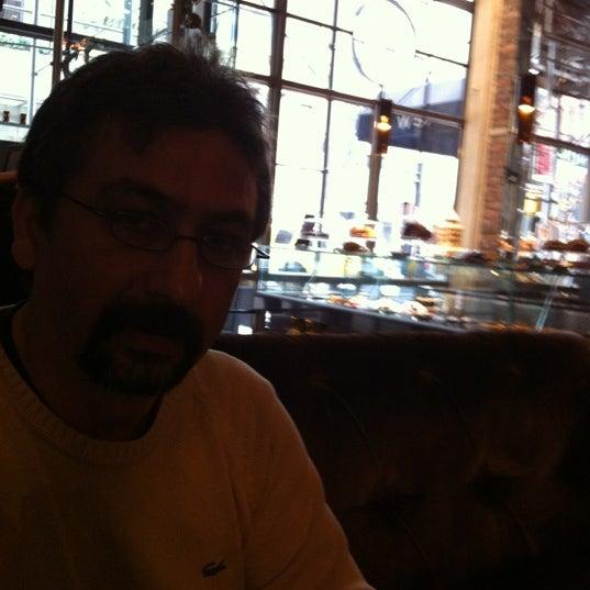 Foto tomada en Brasserie Pushkin por Guvenc A. el 11/10/2012