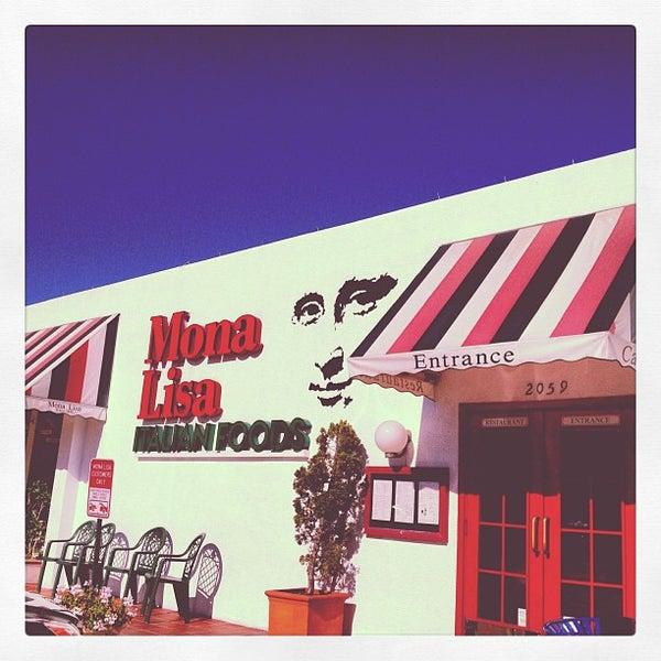Das Foto wurde bei Mona Lisa Italian Restaurant von Bill L. am 9/30/2012 aufgenommen