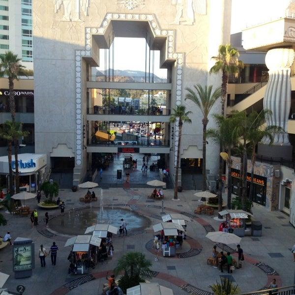 รูปภาพถ่ายที่ Hollywood & Highland Center โดย Elena I. เมื่อ 7/26/2013