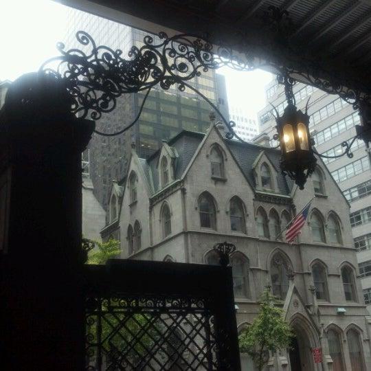 Foto scattata a Lotte New York Palace da Thomas L. il 10/25/2012