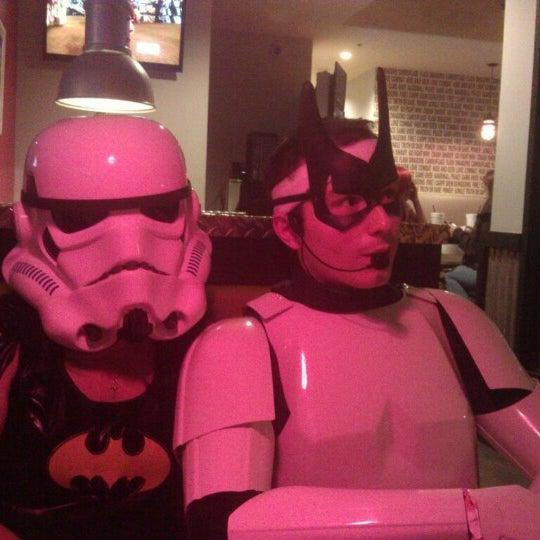 Foto scattata a Hi Scores Bar-Arcade da Natalie M. il 11/1/2012