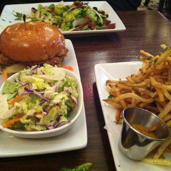 12/29/2012에 Laura F.님이 The Misfit Restaurant + Bar에서 찍은 사진