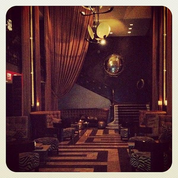 Снимок сделан в The Empire Hotel пользователем leeleechicago 11/13/2012
