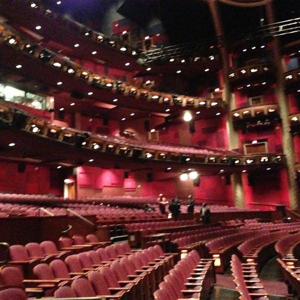 Foto diambil di Dolby Theatre oleh Chris K. pada 7/10/2013