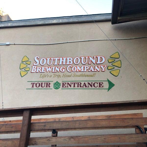 Das Foto wurde bei Southbound Brewing Company von Jason R. am 11/3/2017 aufgenommen