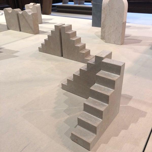 Foto tirada no(a) Design Museum Gent por Tijl em 10/26/2018