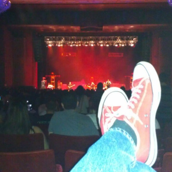Foto diambil di The Fillmore Miami Beach at The Jackie Gleason Theater oleh Ian S. pada 3/20/2013