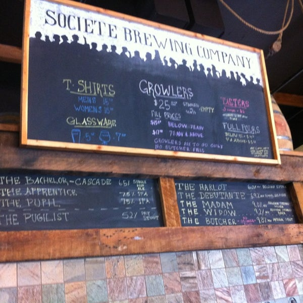 Photo prise au Societe Brewing Company par Angela R. le4/5/2013