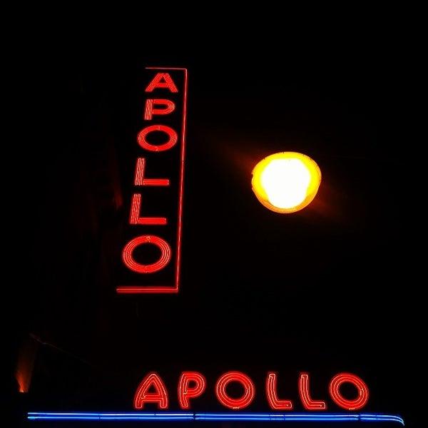 10/2/2013 tarihinde Jenny H.ziyaretçi tarafından Apollo Theater'de çekilen fotoğraf