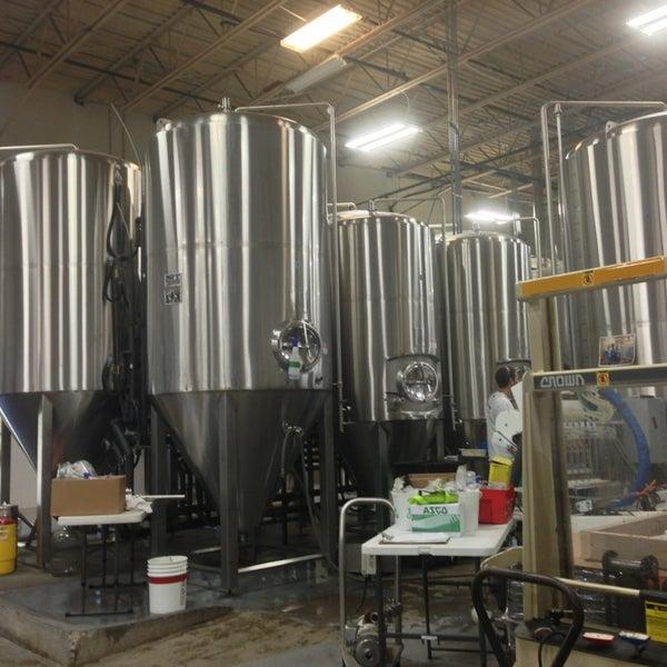 Снимок сделан в Saugatuck Brewing Company пользователем Lindsay L. 8/16/2013