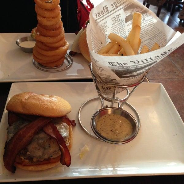 Снимок сделан в A&G Burger Joint пользователем Laurence R. 1/5/2013