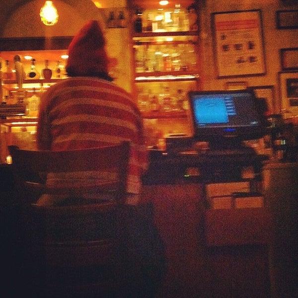 Foto tirada no(a) Cariño Restaurant and Cantina por Rebecca W. em 3/5/2013