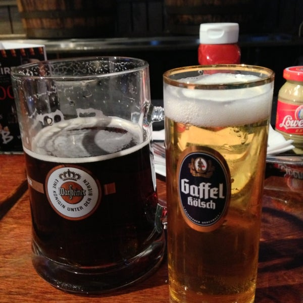 Photo prise au Wurst Und Bier par Bri🎓n le3/2/2013