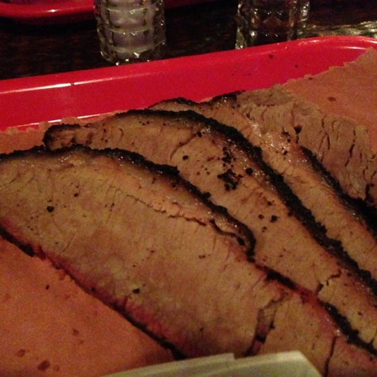 Photo prise au Mable's Smokehouse & Banquet Hall par Wally G. le9/29/2012