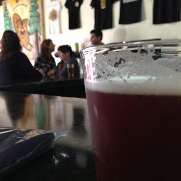 4/8/2013にCameron C.がBelching Beaver Breweryで撮った写真