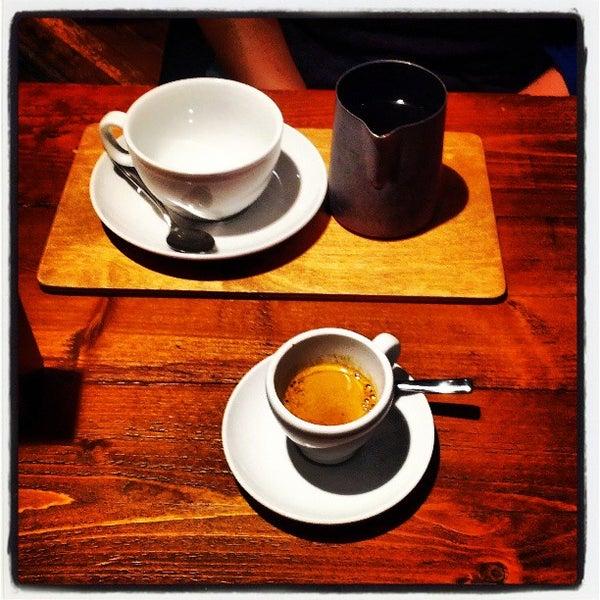 Foto diambil di Brew Lab Coffee oleh hazchem d. pada 4/22/2013