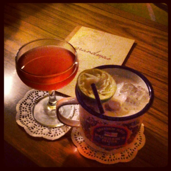 Foto scattata a Grandma's Bar da hazchem d. il 11/28/2012