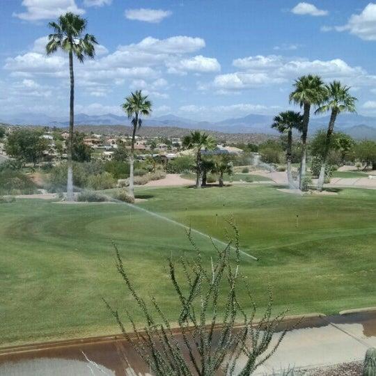 Das Foto wurde bei Desert Canyon Golf Club von J P. am 5/2/2016 aufgenommen