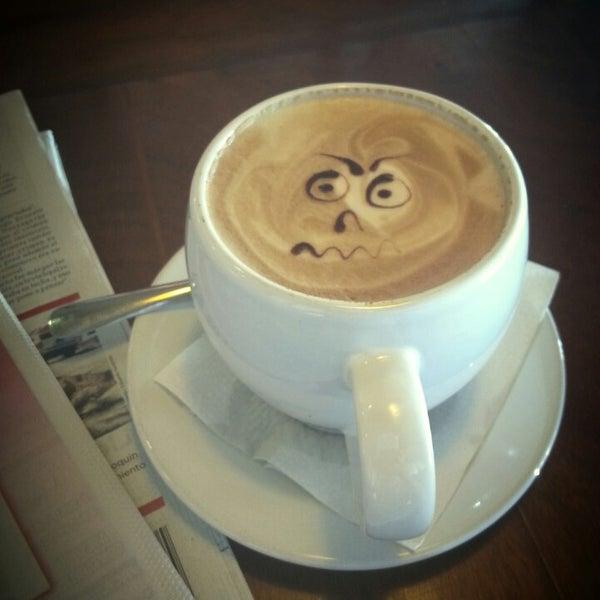 Foto tomada en Rico's Café Zona Dorada por Polly Pocket el 10/14/2014