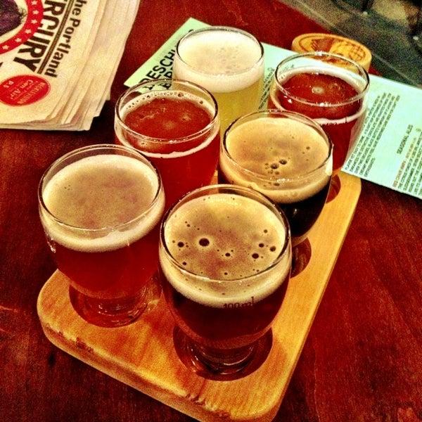 Foto tirada no(a) Deschutes Brewery Portland Public House por Manuela B. em 2/24/2013
