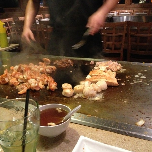 3/17/2013 tarihinde Shallena E.ziyaretçi tarafından Desaki Japanese Restaurant'de çekilen fotoğraf