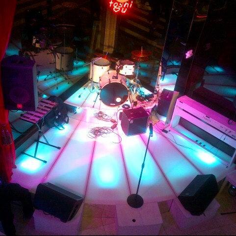 12/12/2012 tarihinde Edwin T.ziyaretçi tarafından Toshi's Living Room'de çekilen fotoğraf