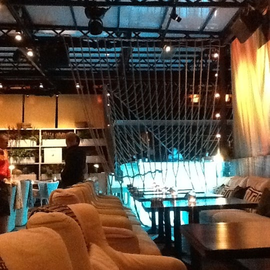 Foto tirada no(a) Ресторан & Lounge «Река» por Евгений А. em 9/15/2012