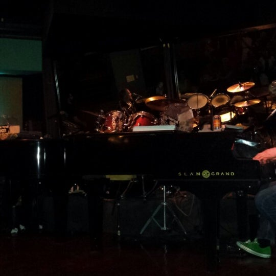 3/29/2014にVernonがThe Big Bang Tempeで撮った写真