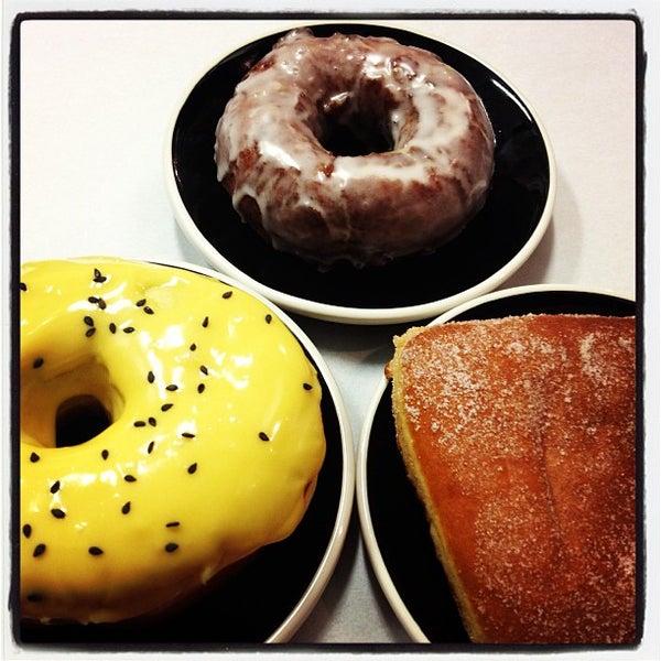Foto scattata a Boxer Donut & Espresso Bar da Traci S. il 4/15/2013