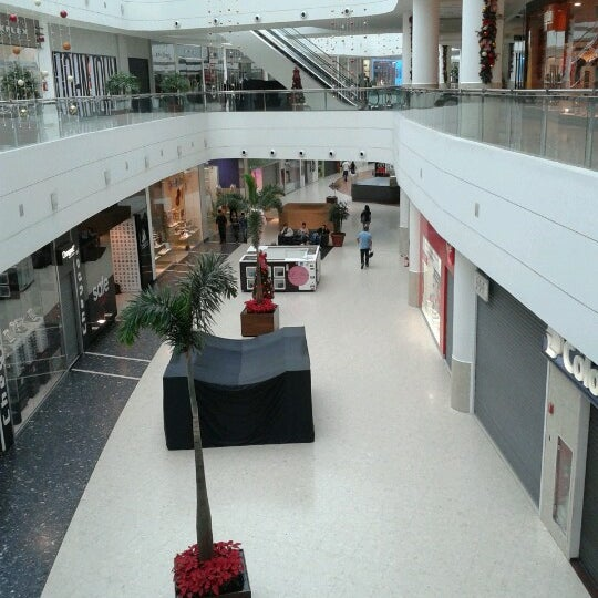 Foto tirada no(a) Shopping Palladium por Adolfo C. em 12/27/2012