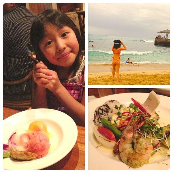12/26/2012 tarihinde Momoko m.ziyaretçi tarafından Hula Grill'de çekilen fotoğraf