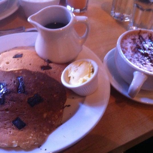9/24/2012 tarihinde Benjamin H.ziyaretçi tarafından Good Enough to Eat'de çekilen fotoğraf
