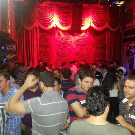 10/17/2012 tarihinde André M.ziyaretçi tarafından Bolshoi Pub'de çekilen fotoğraf