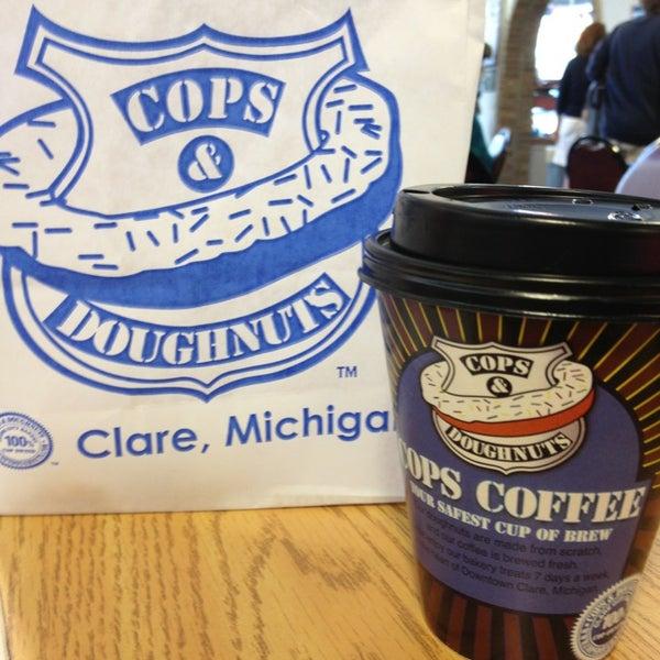 8/4/2013にEric J.がCops & Doughnuts Bakeryで撮った写真