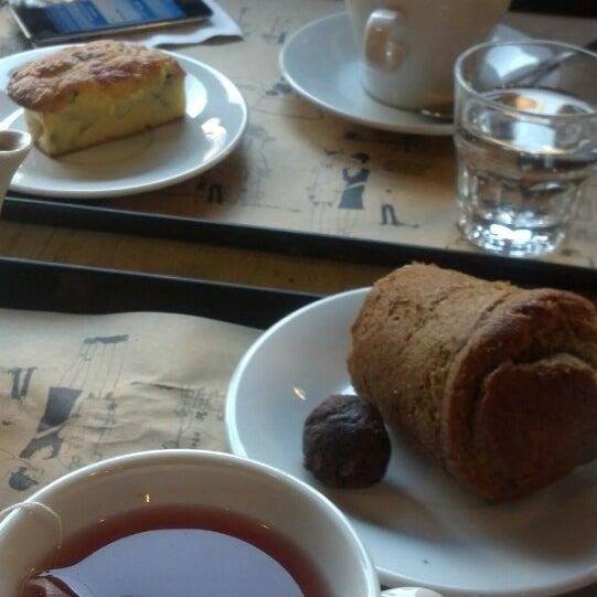 Foto diambil di Boulangerie Cocu oleh Morena L. pada 7/27/2013